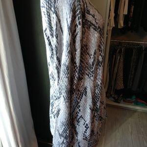 Apt. 9 Sweaters - Apt 9 Gray Animal Print Cashmere blend V Neck